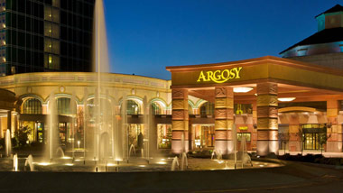 fountain and front entrance to Argosy Casino Hotel & Spa