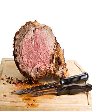 prime rib on cutting board